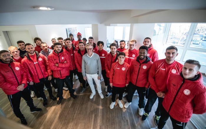 Amtsantritt: Fortuna Köln zu Besuch in der Praxis Orthopädie und Sport