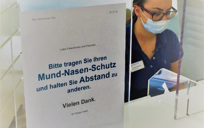 Bitte tragen Sie Ihren Mund-Nasen-Schutz in Arztpraxen