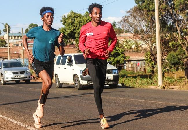 Samuel Fitwi - Sportler des Jahres der Region Trier - im Trainingslager in Kenia